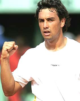 Foto de Mariano Puerta celebrando un punto