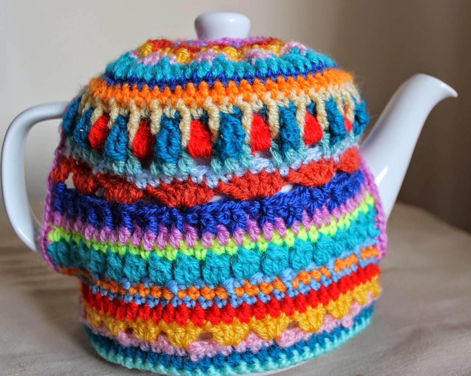colourful crochet tea cosy || www.embellishedelephant.blogspot.co.uk