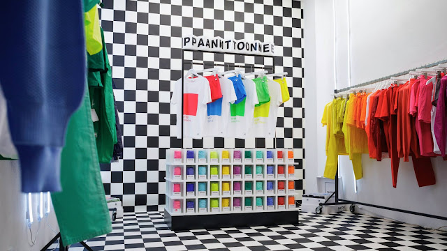 Green Pear Diaries, retail, pop up store, Pantone Colorwear, París