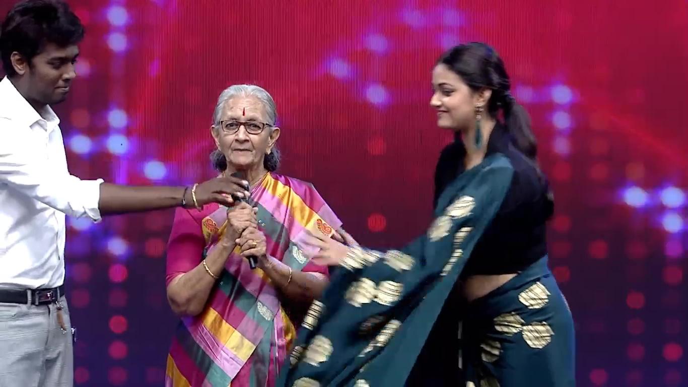 Keerthi Suresh Hot Navel Photos
