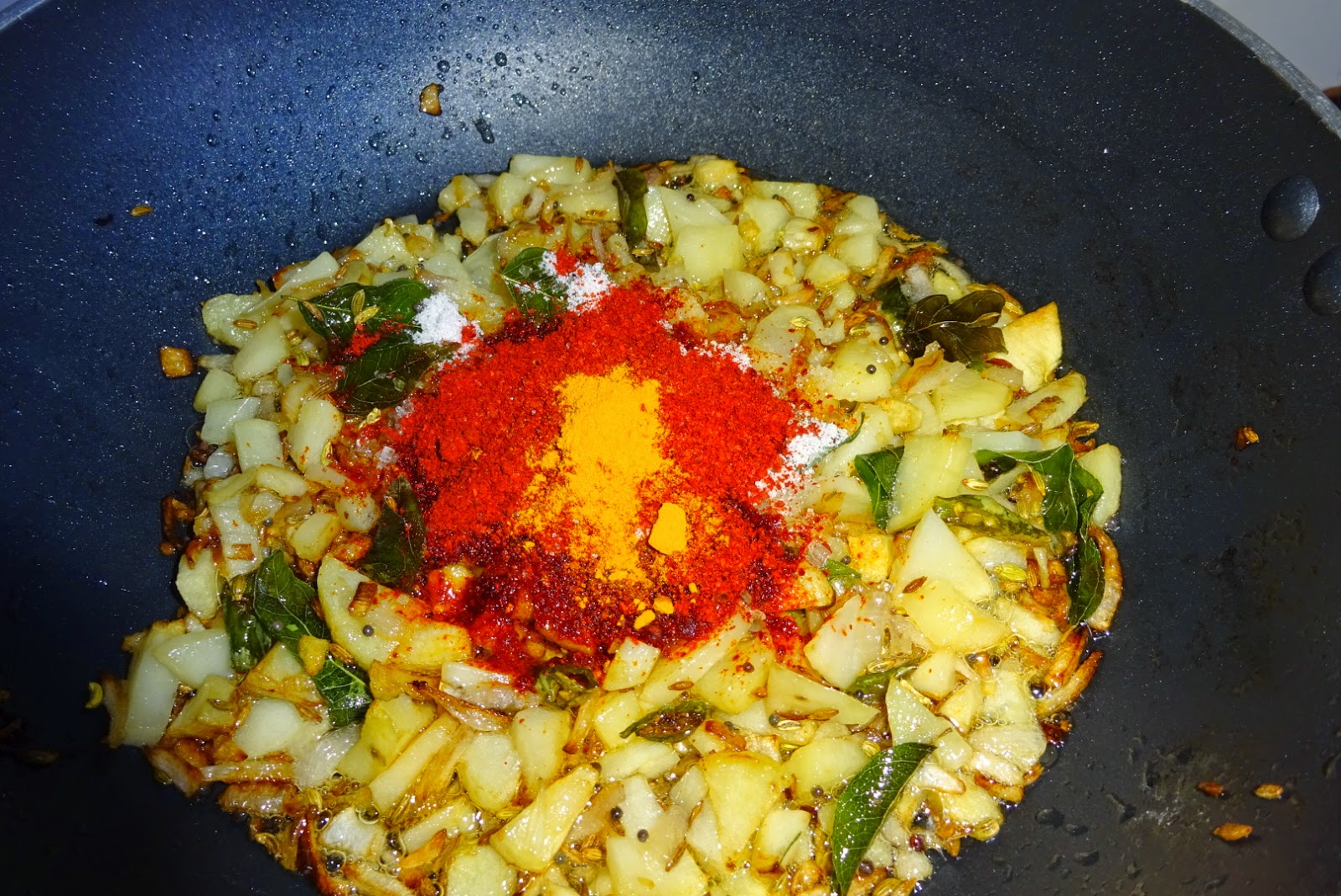 http://vegindiancooking121212.blogspot.in/2014/09/aloo-kanda-poha-potato-and-onion.html