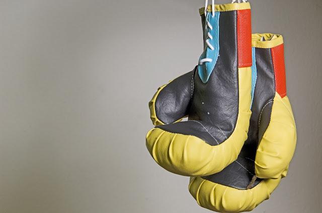 Luvas de boxe amarelas