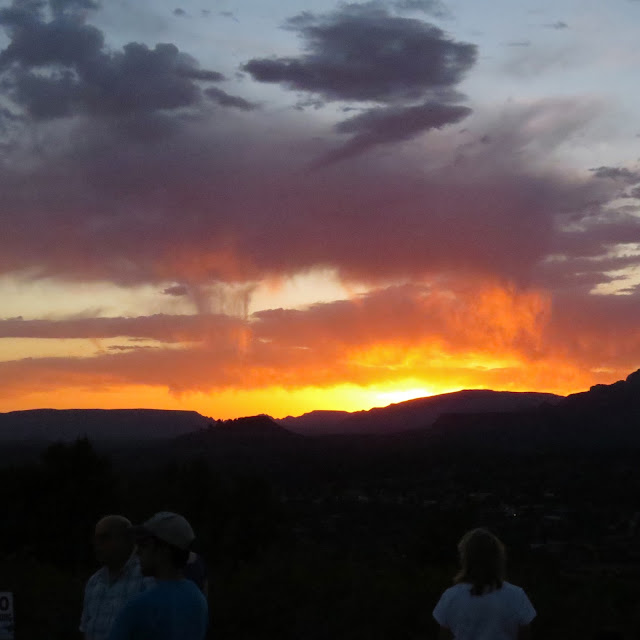 Solstice-Supermoon-and-Sedona-Sunset-at-Airport-Mesa