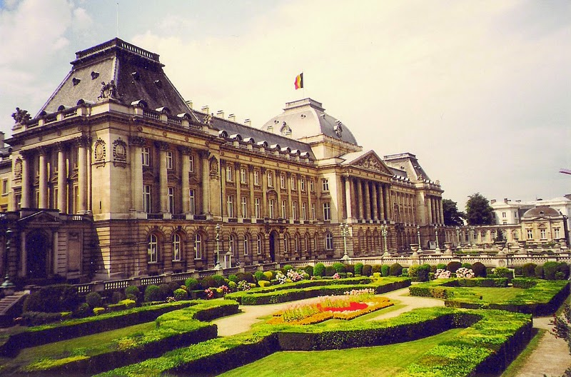 10 Best Places to Holiday in Belgium (100+ Photos) | The Royal Palace of Brussels