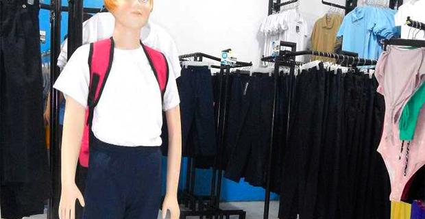 El uniforme Escolar más barato supera al salario mínimo nacional