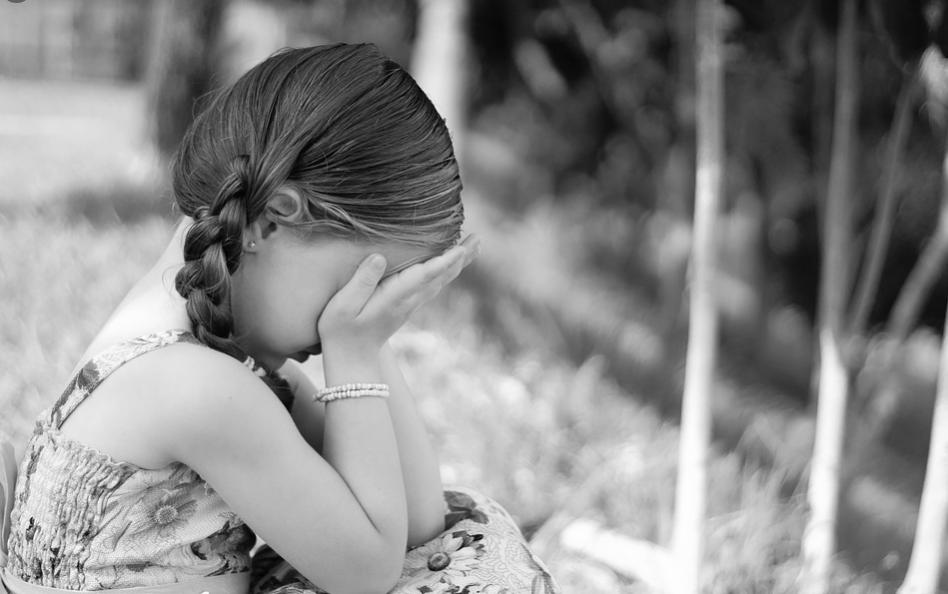 Arti Mimpi Melihat Anak Kecil Perempuan Menangis