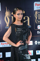 Akshara Haasan in Shining Gown at IIFA Utsavam Awards 2017  Day 2 at  18.JPG