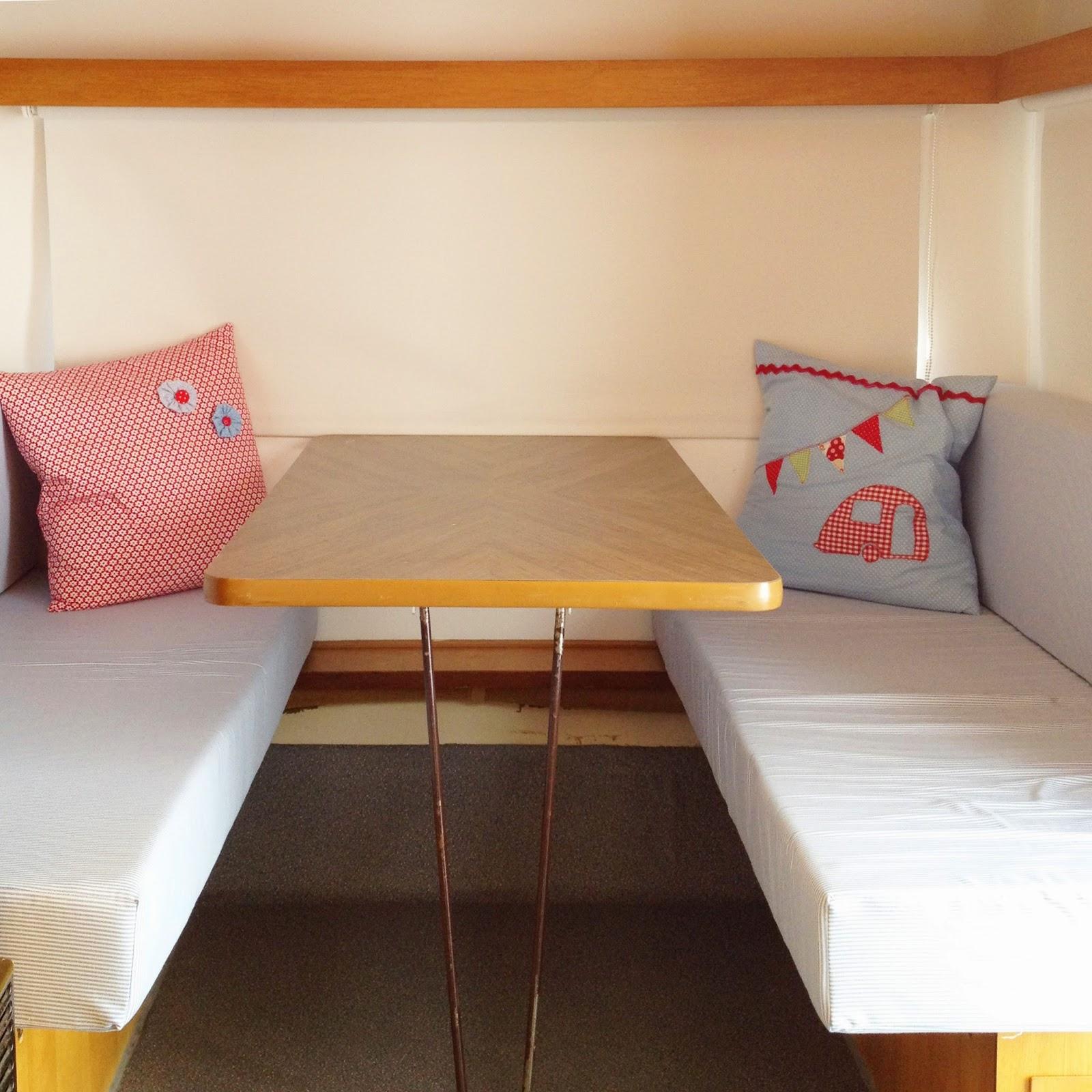 lolo und theo jetzt wird 39 s gem tlich neue polster und. Black Bedroom Furniture Sets. Home Design Ideas