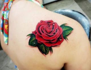 tato mawar merah