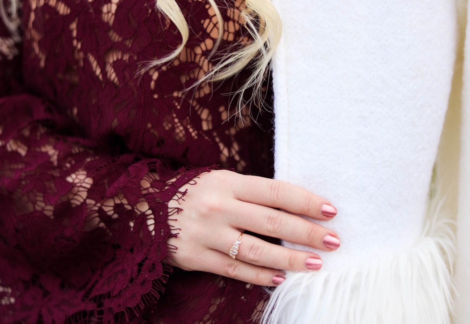 Elizabeth Hugen of Lizzie in Lace wears a gold gorjana ring