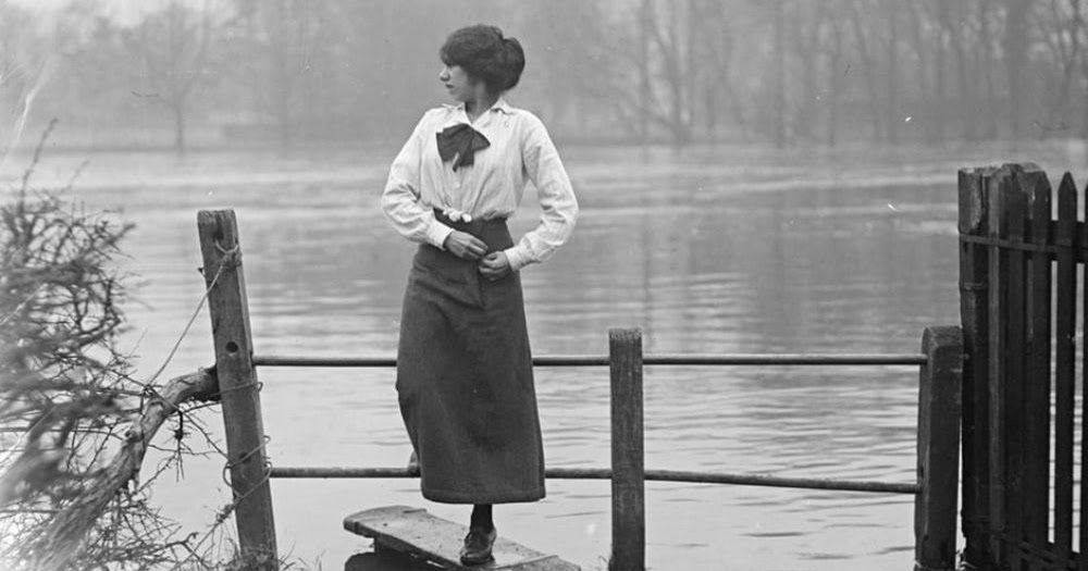 Flooding in the Thames Valley, December 1915