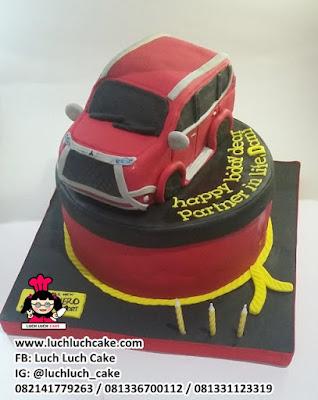 Kue Tart Ulang Tahun Mobil Fortuner