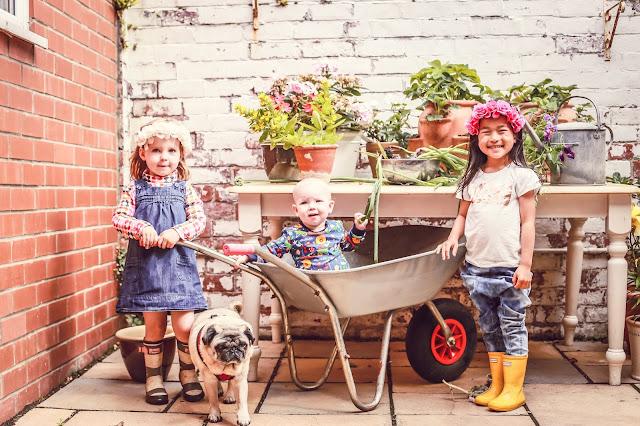 kids photography at home, newcastle upon tyne, mandy charlton, photographer, photography newcastle, kids, families, weddings