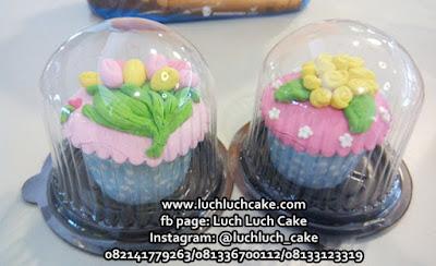 Cupcake Souvenir Ulang Tahun dan Pernikahan