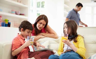 5 أمور يقوم بها أهل الأطفال المميزين بحسب علماء النفس كيف تربى اطقالك تربية صحيحة ؟! ام واطفال عائلة سعيدة