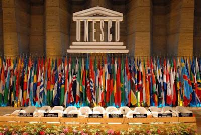 """La directora de la Unesco ha recibido """"amenazas de muerte"""" después de haber expresado sus reservas a un proyecto de resolución impulsada por varios países árabes sobre los lugares santos de Jerusalén, que negaba sus vínculos con el judaísmo, denunció este lunes el embajador israelí ante la ONU."""