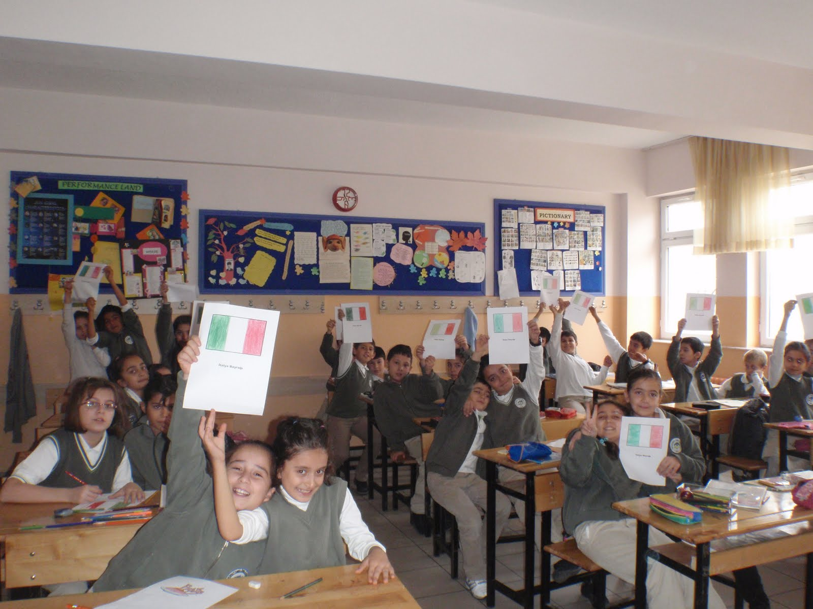 Join Hands And Hug Europe Italy Days In Turkkonut Emel