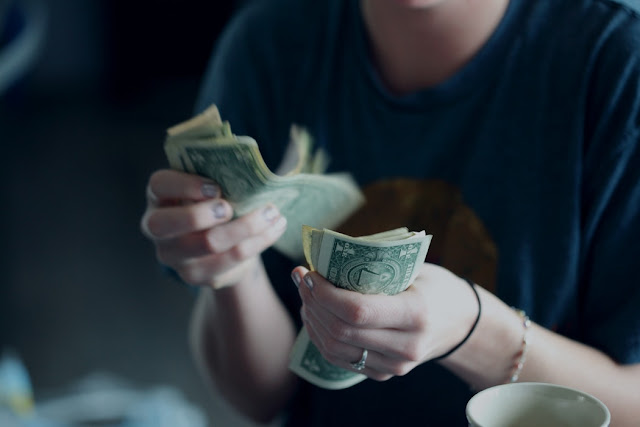 The Ultimate Guide to Extreme Frugality {How to Stop Spending So Much Money}