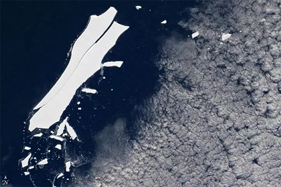 Maior iceberg do mundo B-15
