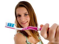 Cara Merawat  Gigi Berlubang  Yang Ampuh dan Alami
