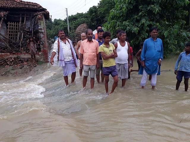 बेनीपट्टी मे उफनाई नदियां, बाढ़ से हाल-बेहाल