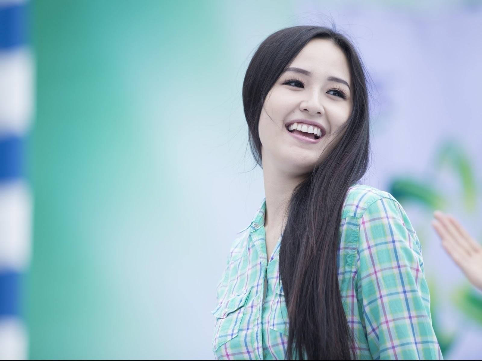 Con gái tóc dài rất đẹp