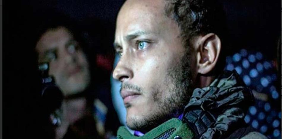 Filmaron a 15 hombres vestidos de negro con insignias de la Dirección General de Contrainteligencia Militar