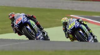 Rossi Tuduh Vinales Curang di MotoGP Prancis, Vinales Membantah