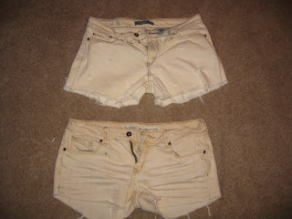 how to distress shorts with scissors