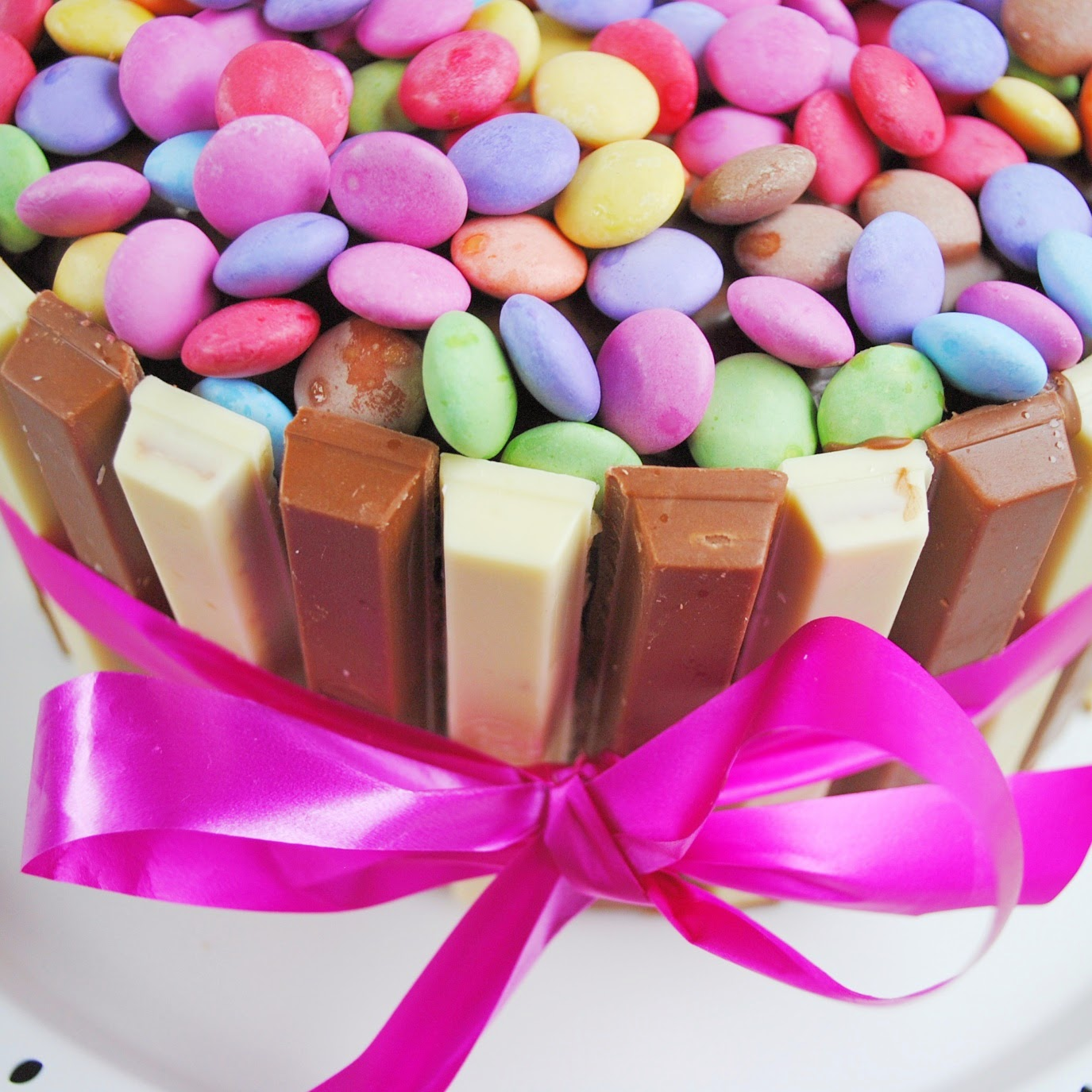 Christinas Travelworld Kitkat Smarties Torte