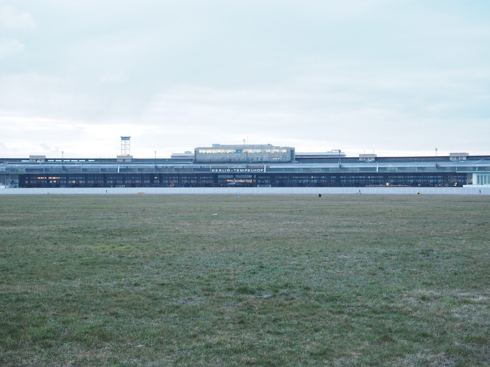 Berlin travel photo diary Tempelhofer Feld