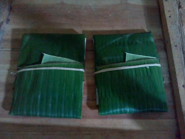 Tempe mendoan mentah bungkus daun pisang