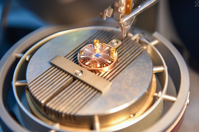 Новый вид кубитов: вместо магнитного интерферометра используется зарядовый