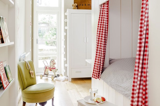 A Lovely Lark Ideas For Violet 39 S Room Creating A Bed Nook