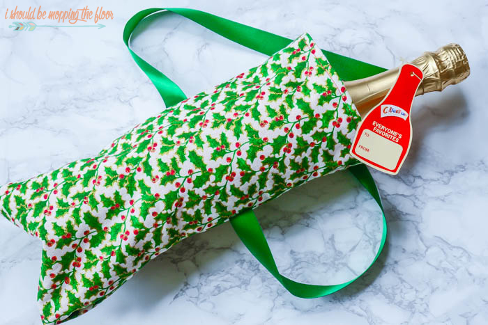 Lined Fabric Gift Bags are perfect for gifting this season...and resemble a fun Santa sack!