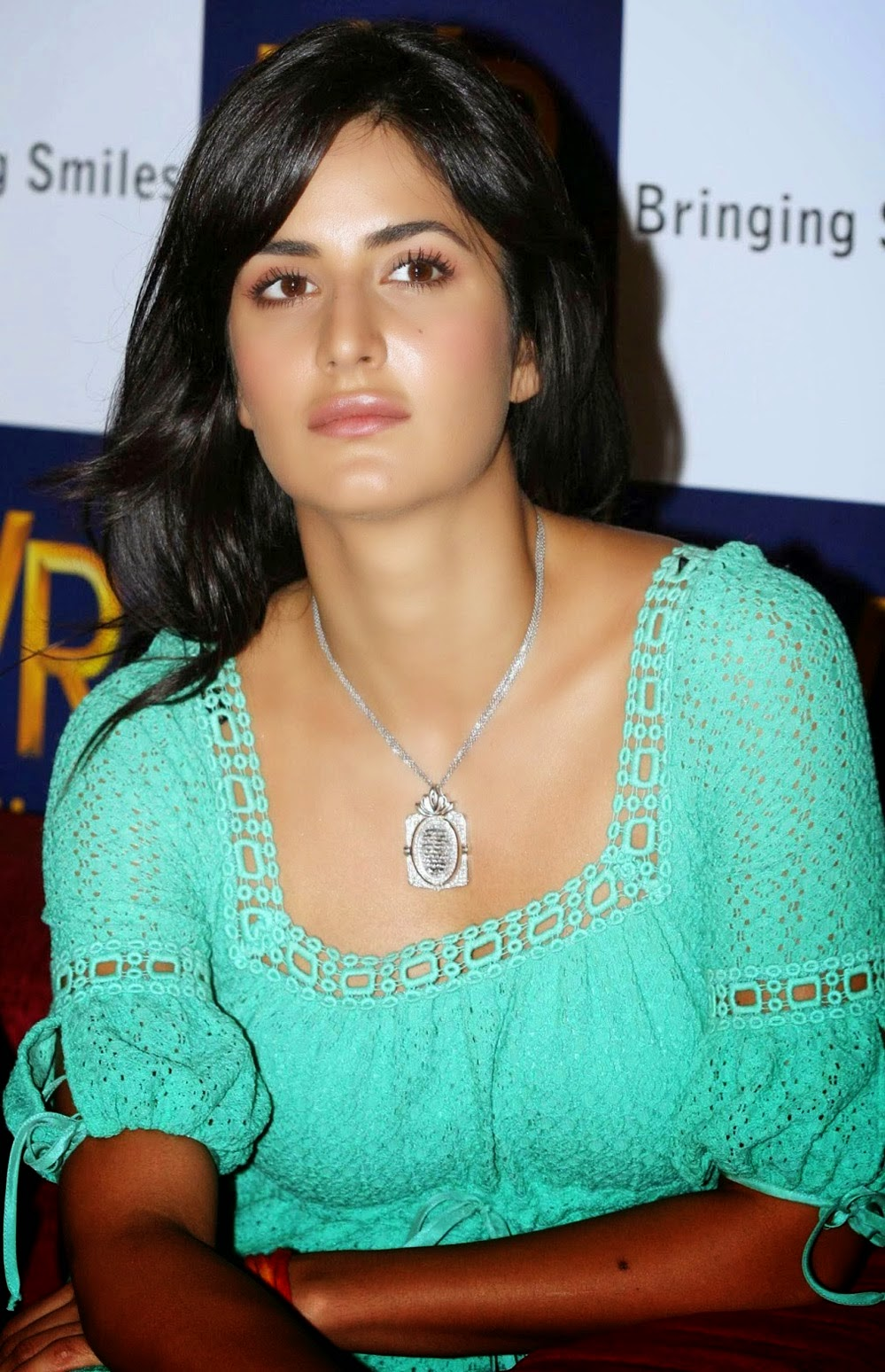 Katrina Kaif Sexiest Hot Hd Wallpapers Collection Free