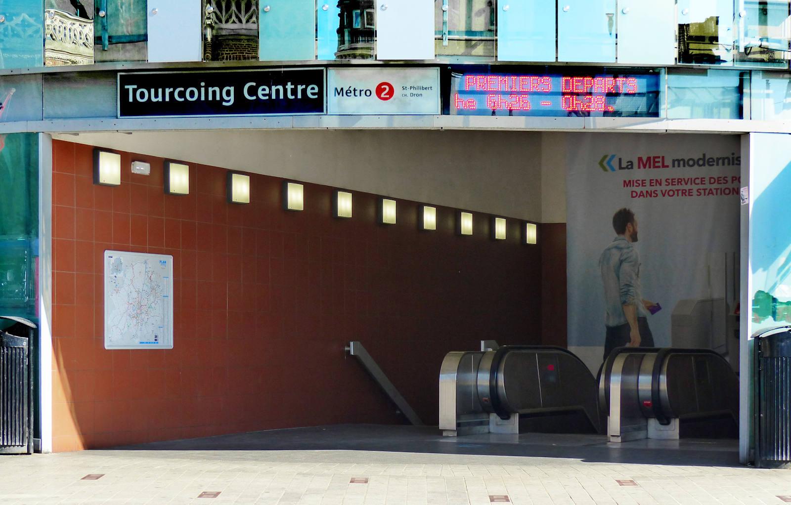 Station Métro Tourcoing Centre - Entrée Parvis Saint Christophe (place de la République)