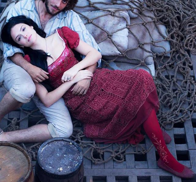 Vestido vermelho Ana (Isabelle Drummond)