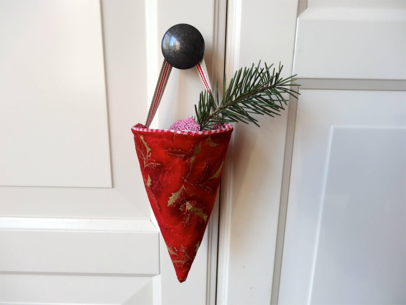 frische brise weihnachtliche spitzt ten selbst n hen. Black Bedroom Furniture Sets. Home Design Ideas