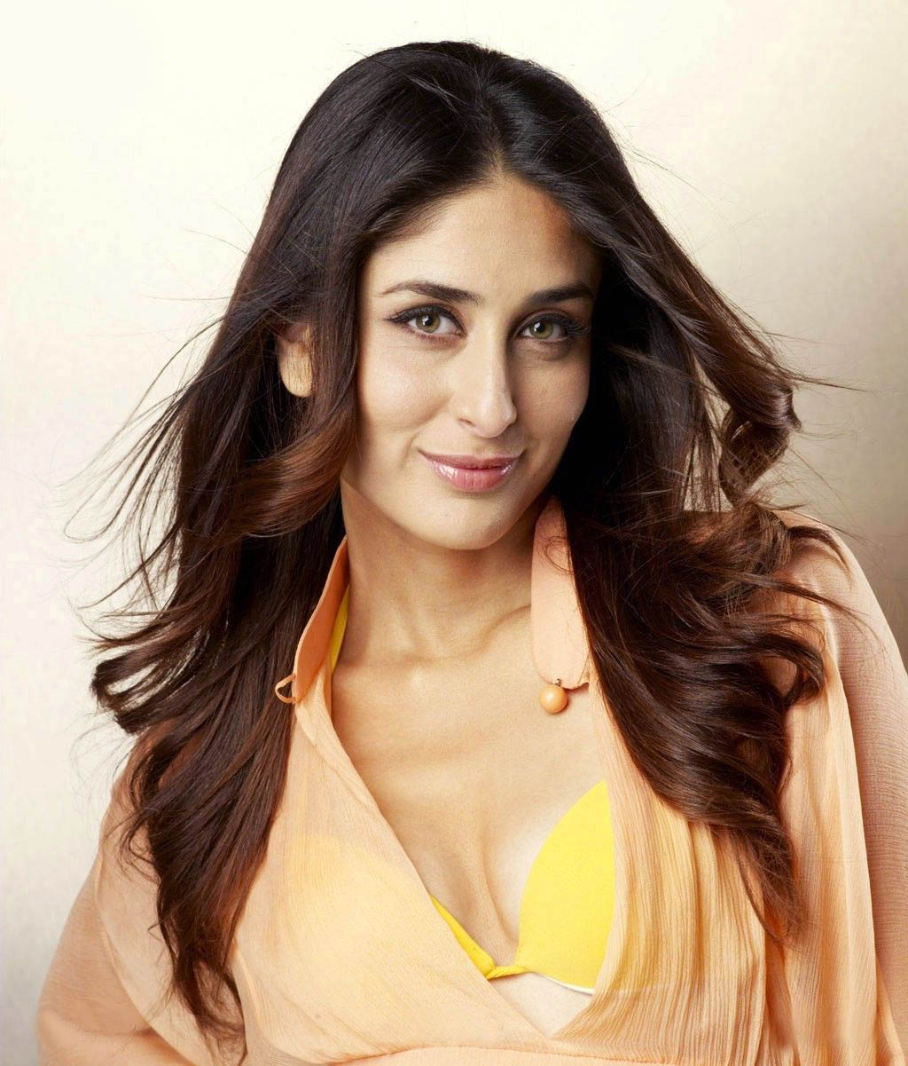 Kareena Kapoor Hot Latest Wallpapers - Bollywood Movies List-8494