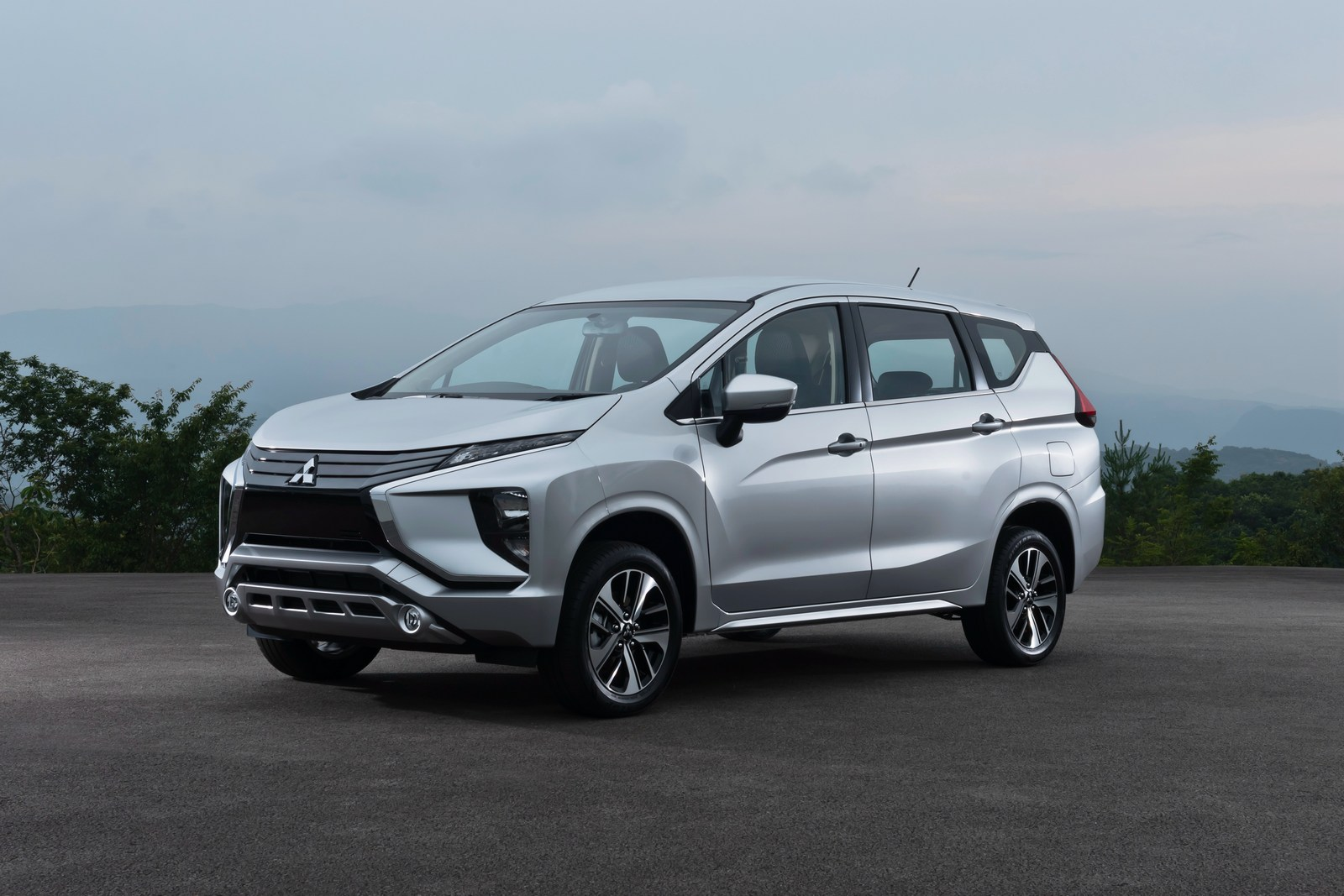 All New Mitsubishi Xpander Debuts In Indonesia Carscoops Com