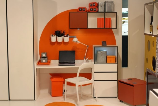 Oficinas color naranja colores en casa for Muebles oficina pequena
