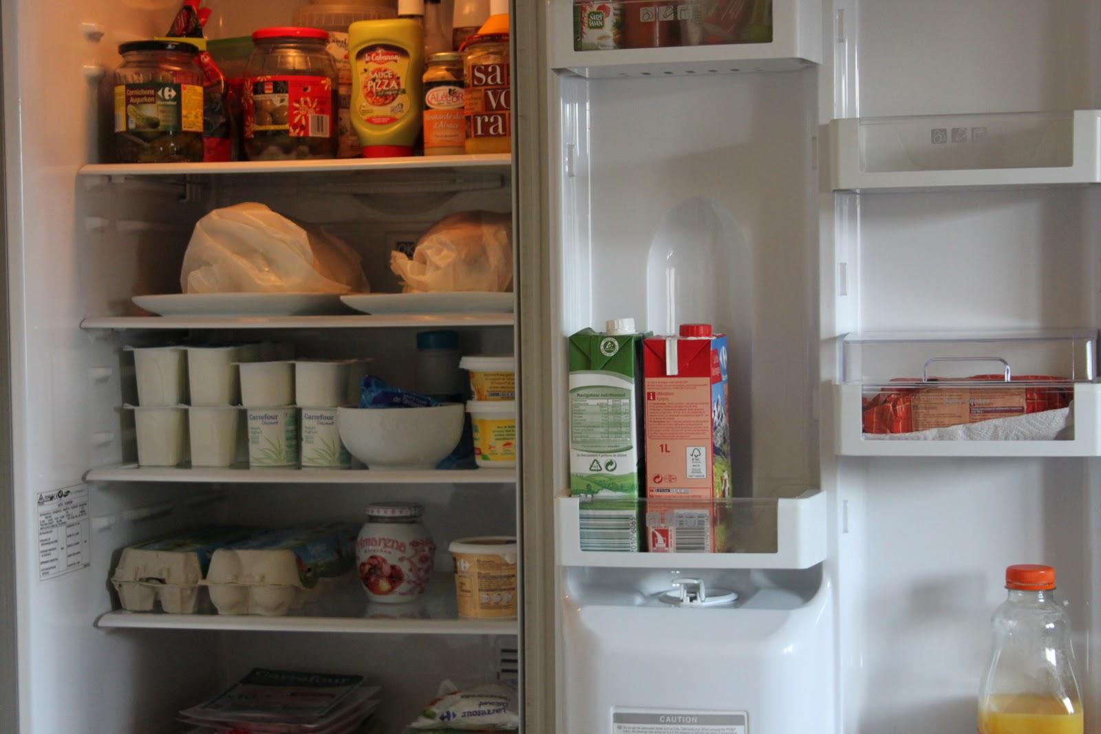 dans ma cuisine un frigo propre et rang chez anne laure t. Black Bedroom Furniture Sets. Home Design Ideas