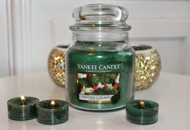 Yankee Christmas Garland Candle