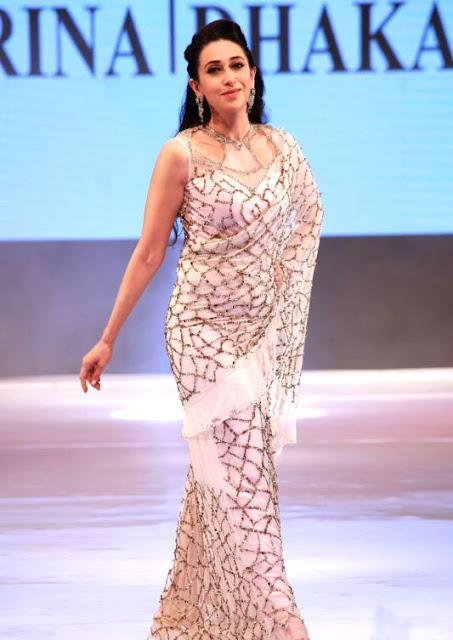 Karishma Kapoor in Rina Dhaka Blush Pink Saree At the Ambience Fashion Weekend 2016