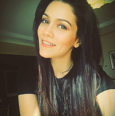 Waluscha de Sousa Hot Actor Wiki Biography, Movies,Interview,Images,Wallpaper