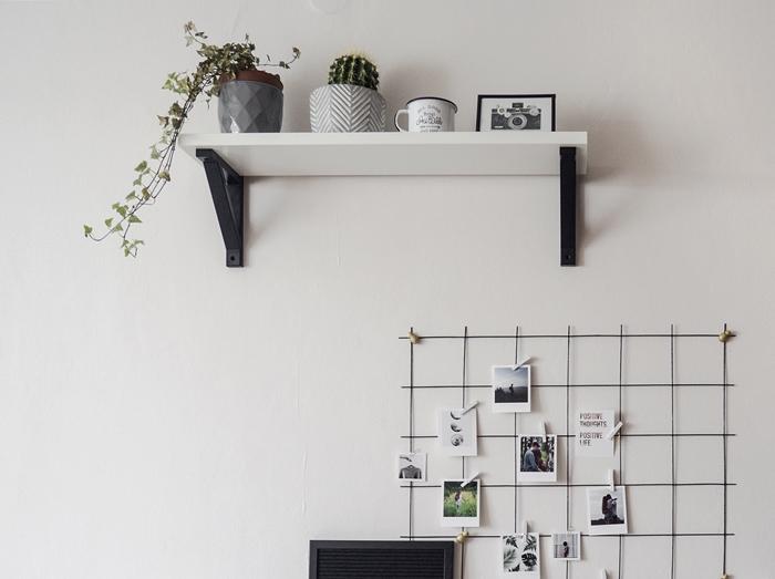 półka nad biurkiem