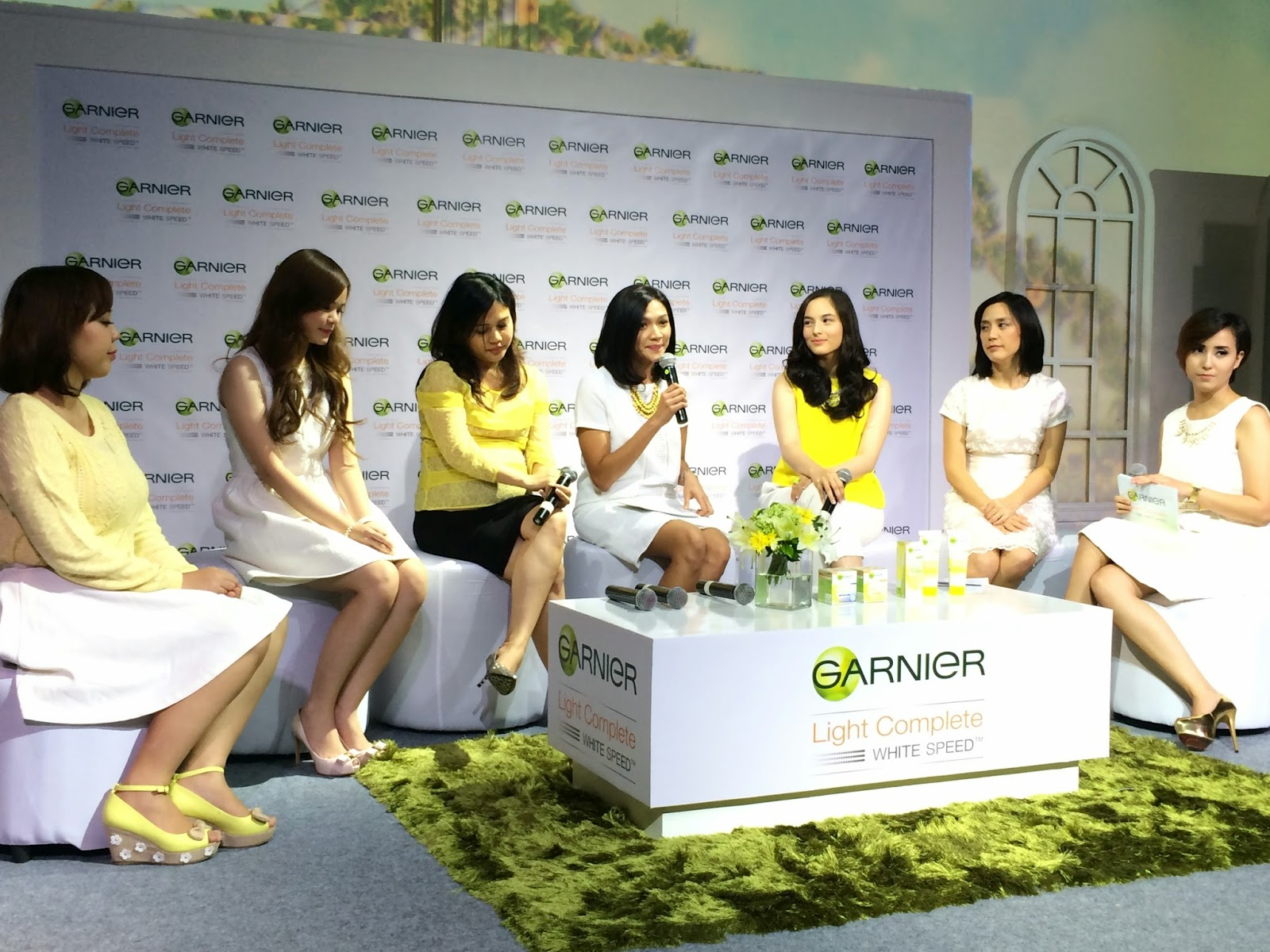 Garnier Light Complete White Speed Mia