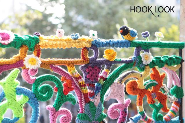 balcon-yarn_bombing.jpg