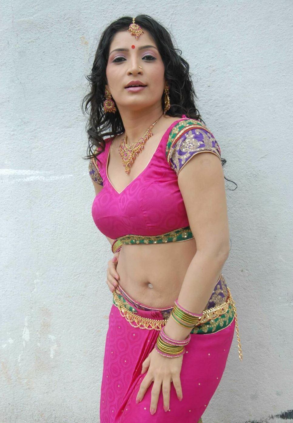 Kannada Hot Aunty